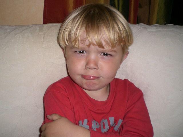 niño con cara de asco