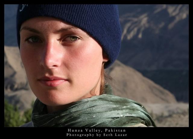 mujer valle del hunza