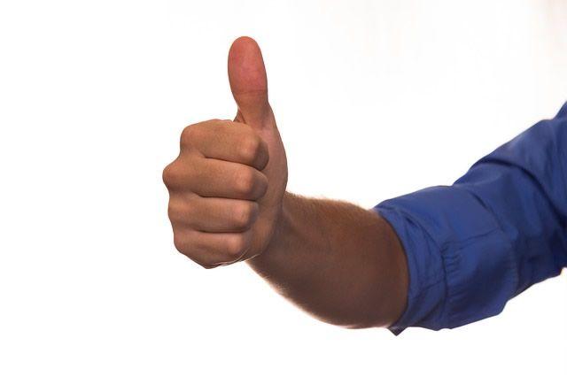 dedo arriba mano