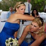 El ramo de novia y la guerra entre mujeres