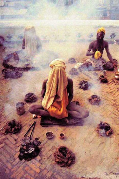 Aghori_tribu_India (3)