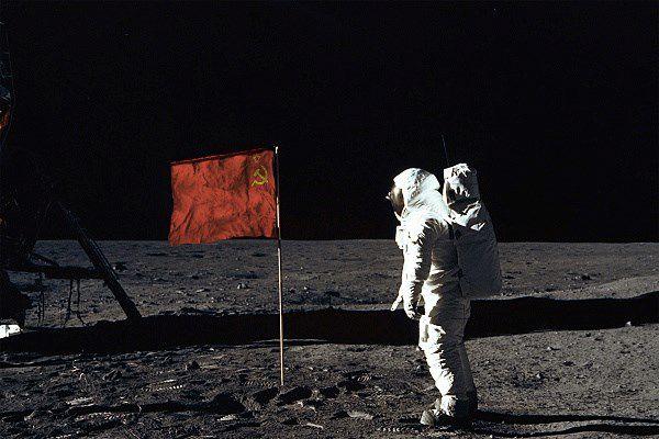 hombre la luna bandera sovietica