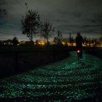 Ciclovía que brilla en la oscuridad, inspirada en la obra de Van Gogh, se inaugura en Holanda