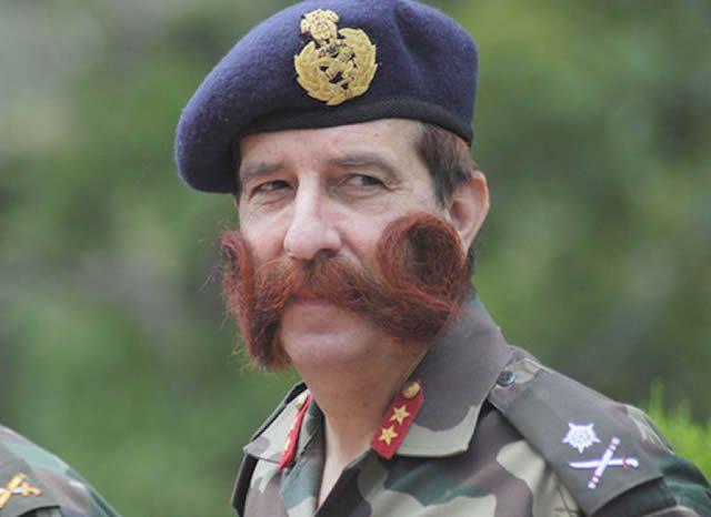 militares_britanicos_bigote (1)