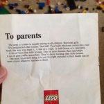 Las fantásticas instrucciones en una caja de Lego en 1973