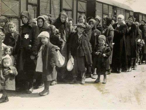 llegada hungaros judios a auschwitz-birkenau-may-27th-1944