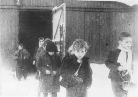niños sobrevivientes a auschwitz