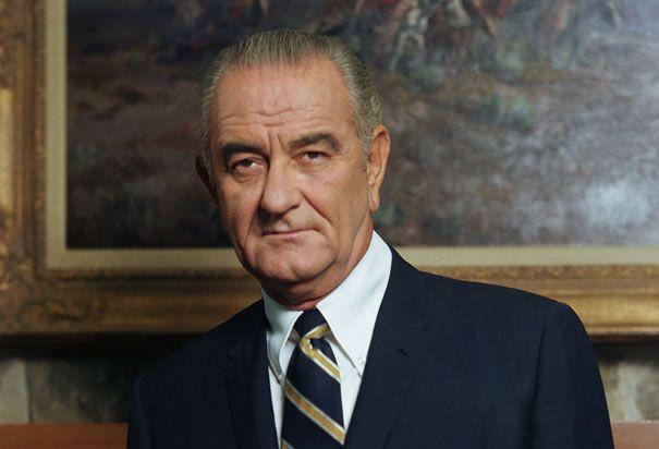 """""""Esta no es una Guerra en la selva, sino una lucha por la libertad en cada ámbito de la actividad humana"""". --Presidente Estadounidense Lyndon B. Johnson, 1964"""