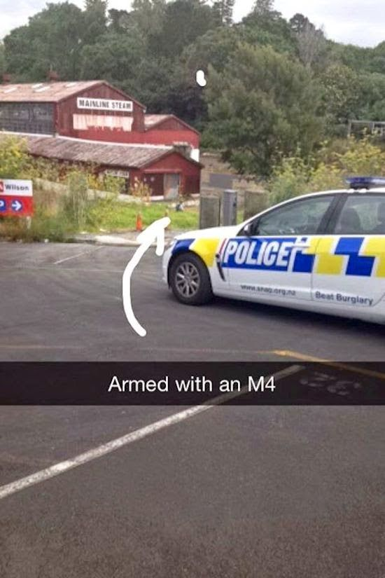 policia nueva zelanda enmascarados (4)