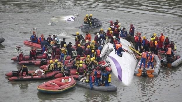 rescate avion taiwan (4)
