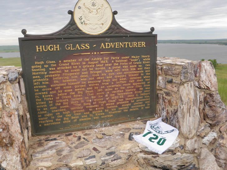 monumento h glass