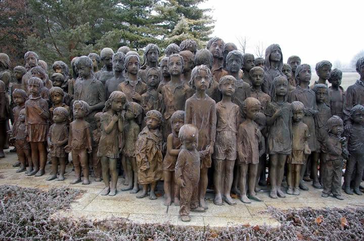 monumento ninos victimas guerra lidice (1)
