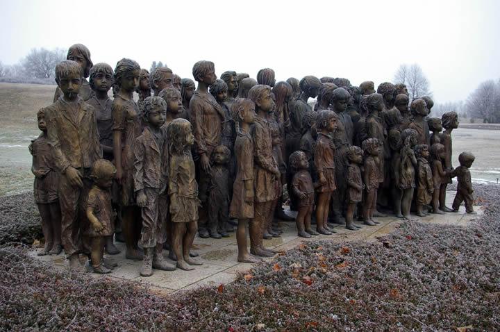 monumento ninos victimas guerra lidice (3)
