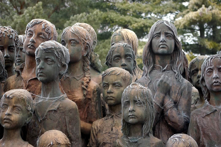monumento ninos victimas guerra lidice (4)
