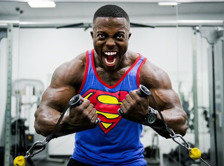 superman musculoso negro