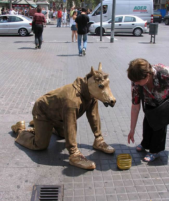 esculturas urbanas impactantes (9)