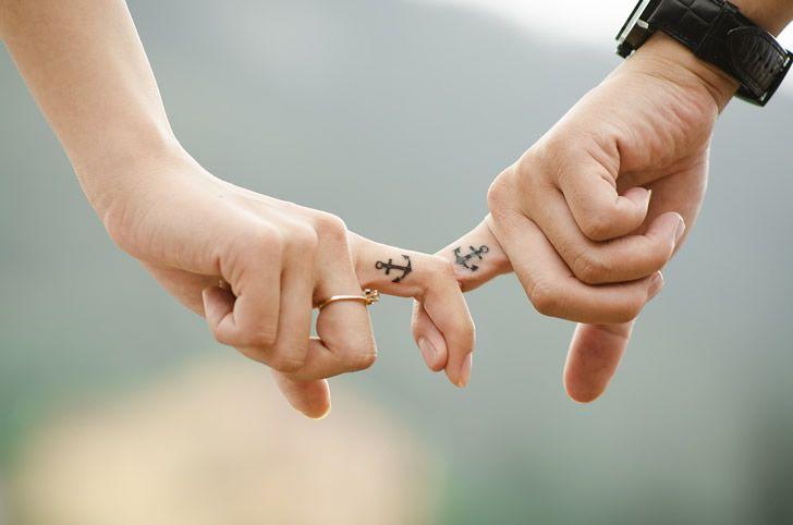 manos matrimonio