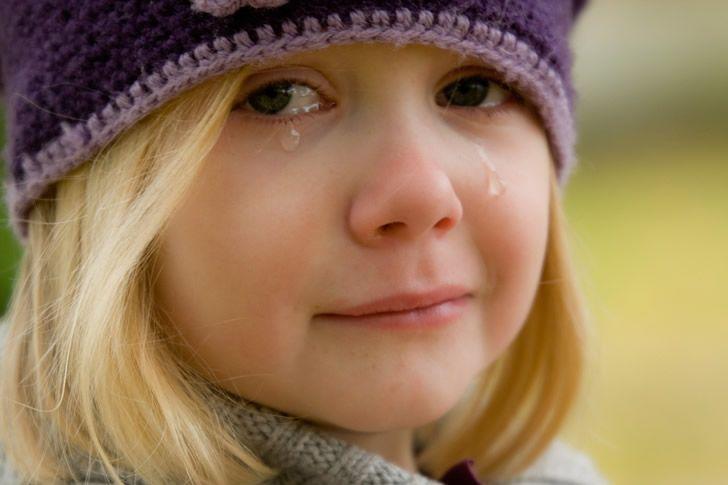 nina llorando