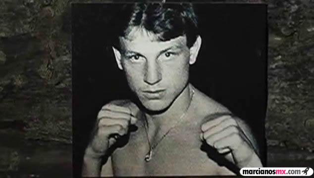 Billy Collins Jr boxeador pose