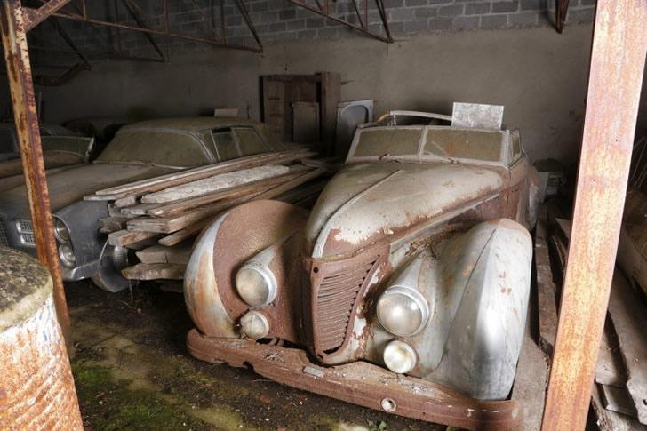 autos clásicos abandonados (4)