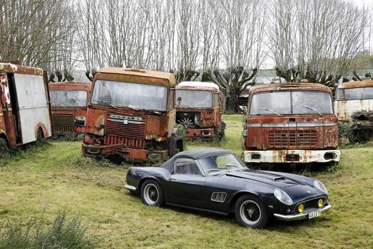 autos clásicos abandonados (6)