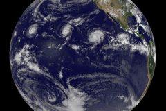 Tres huracanes categoría 4 aparecen simultáneamente en el Pacífico