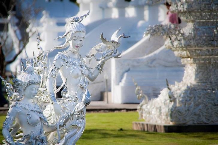 templo blanco tailandia (3)