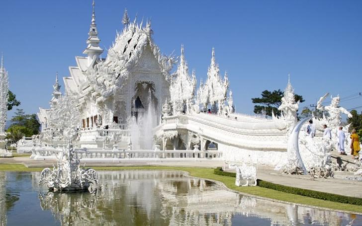 templo blanco tailandia (5)