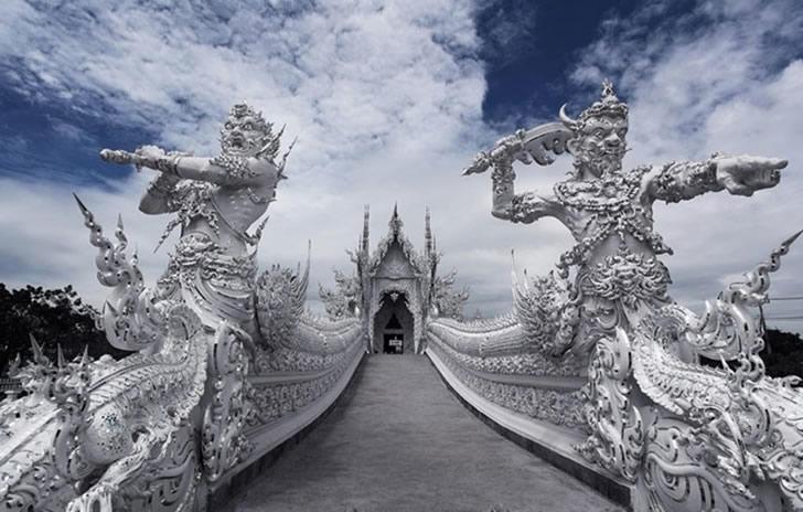 templo blanco tailandia (8)