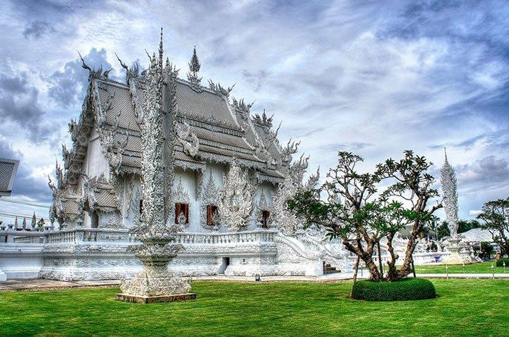 templo blanco tailandia (9)