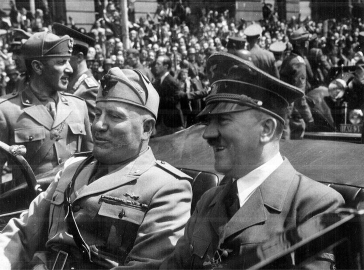 Hitler comitiva