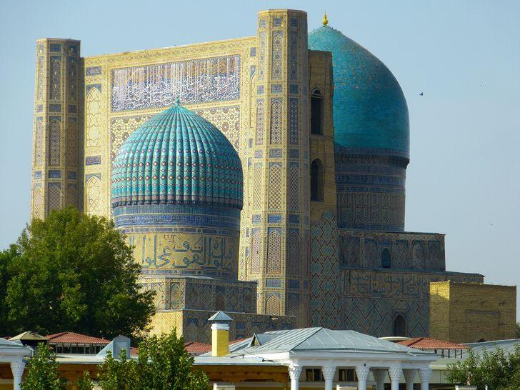 Mezquita Bibi Khanum una de las obras monumentales del imperio timúrida.