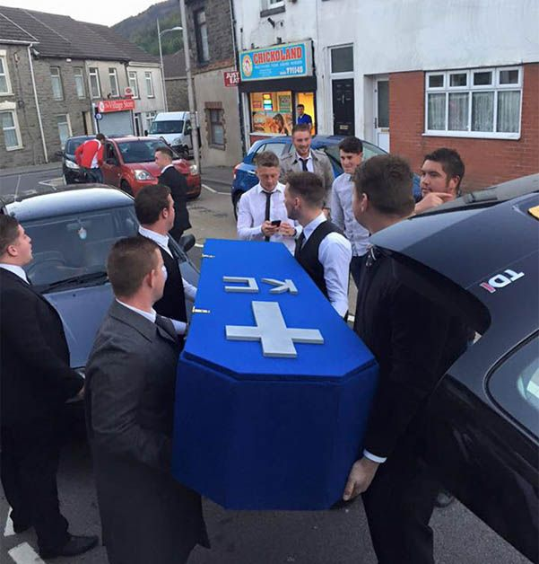 funeral amigos (2)