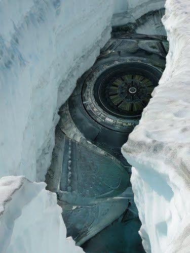nave en el hielo