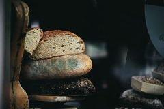 ¿Es malo comer pan con moho?