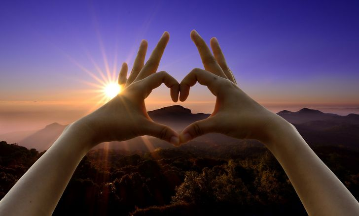 signo del corazon manos