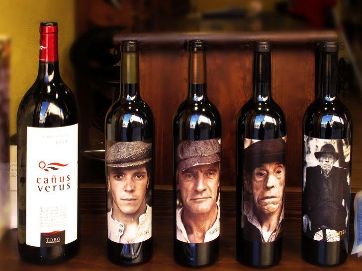 vino tinto etiquetas