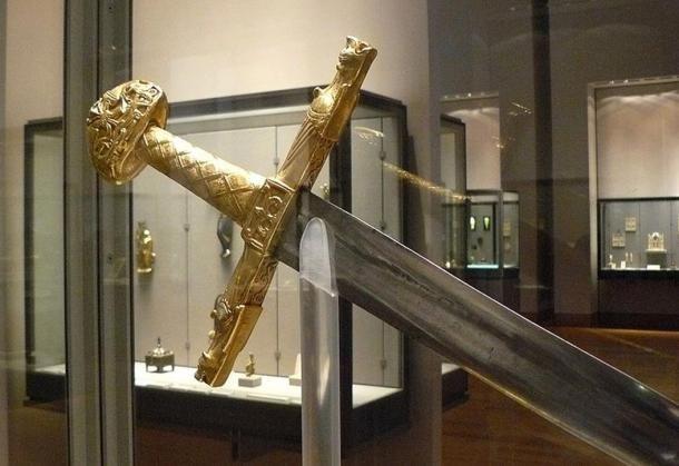Joyeuse espada de Carlomagno (1)