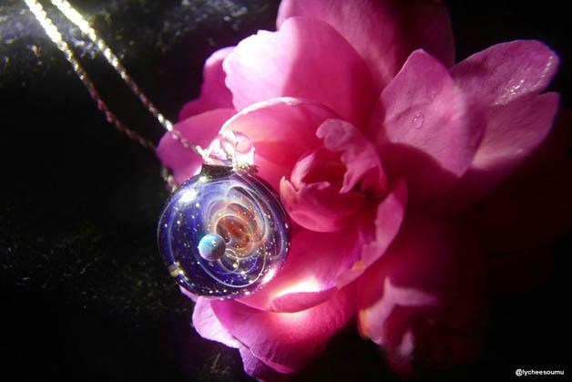 satoshi tomizu plus alpha colgantes cristal (13)