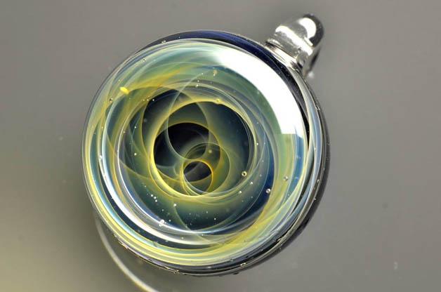 satoshi tomizu plus alpha colgantes cristal (6)