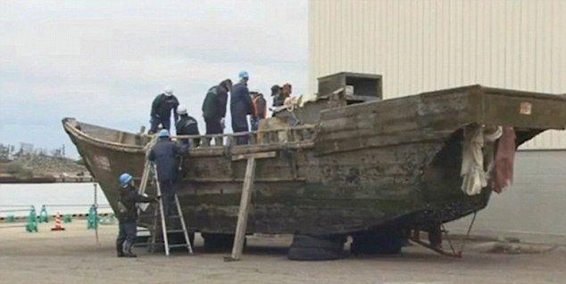 barcos deriva mar japon (1)