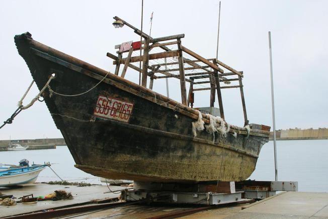 barcos deriva mar japon (2)