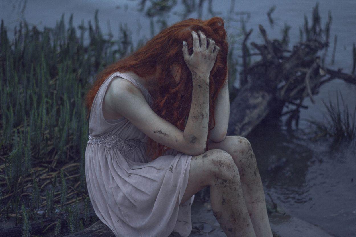 melancolia mujer llorando