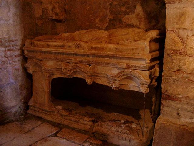 sarcofago de san nicolas en myra