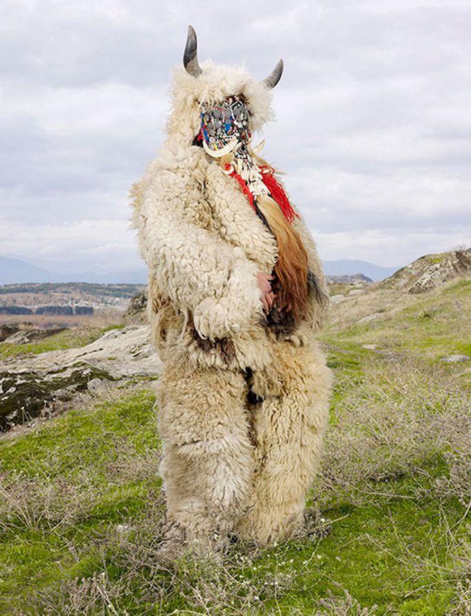 wilder-mann-charles-freger-rituales-paganos-disfraces (7)