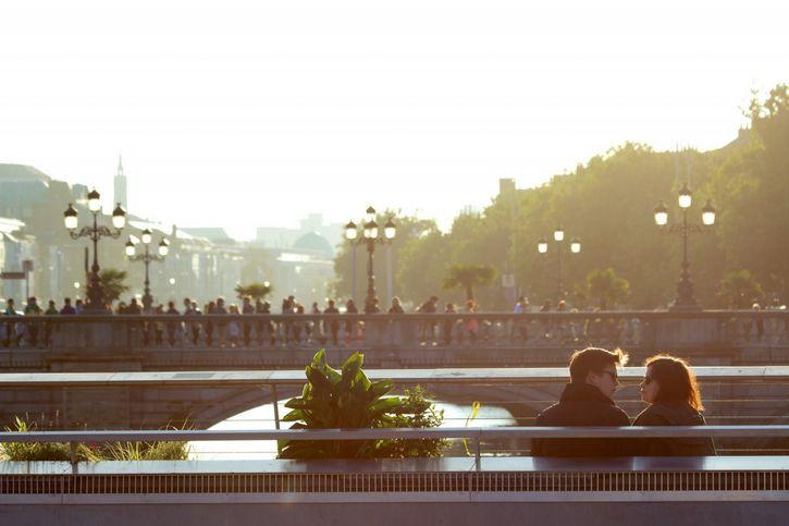 ciudad soleada amor pareja