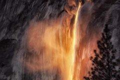 Cascada Horsetail ¿agua o lava?