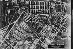 Sobrevolando Auschwitz, un escalofriante video de la BBC hecho con drones