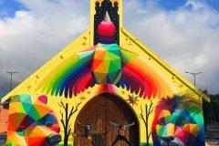 Una iglesia abandonada en Marruecos se llena de color