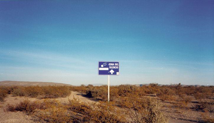 Zona-del-Silencio cartel